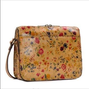 ✅ Patricia Nash Crossbody bag: Prairie Rose 🌹